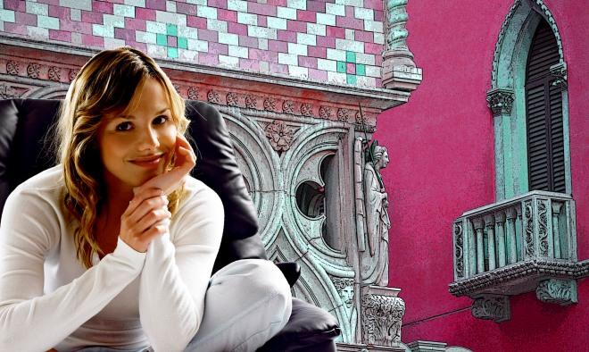 Juliette sits while Romeo waits