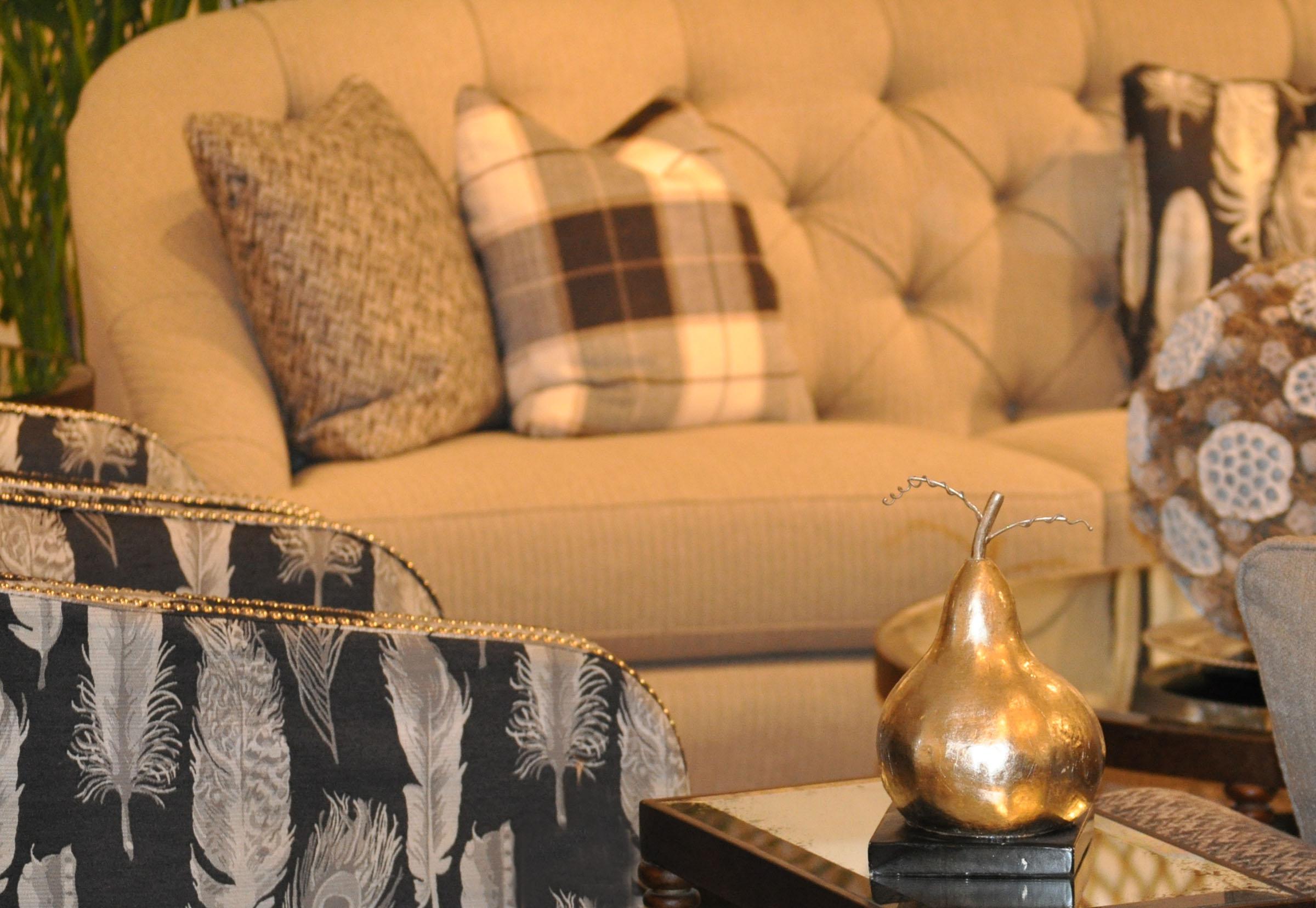 1-plaid-sofa_2