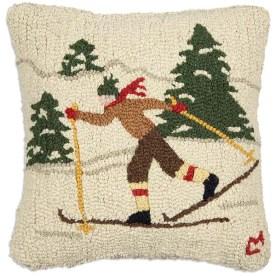 165CROSSSKIER_country_skier