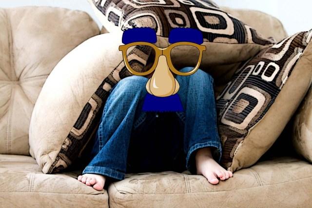 little-boy-sofa-glasses-2