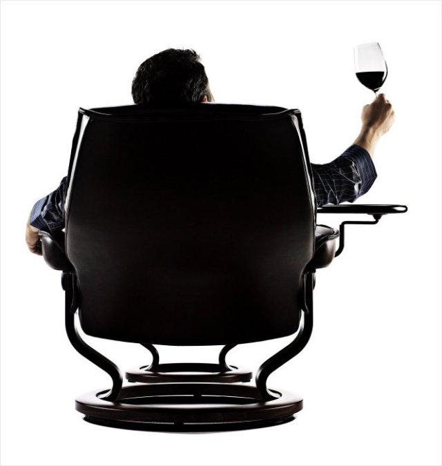 3823-Playful-wine
